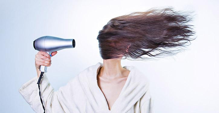 Suszarka do włosów – ranking 2021. Jaką suszarkę do włosów wybrać i kupić?